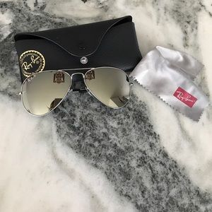 New without tags Ray-Ban polarized Large Aviators